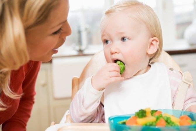 Ребенок плохо ест: как повысить аппетит и заставить кушать, чем накормить