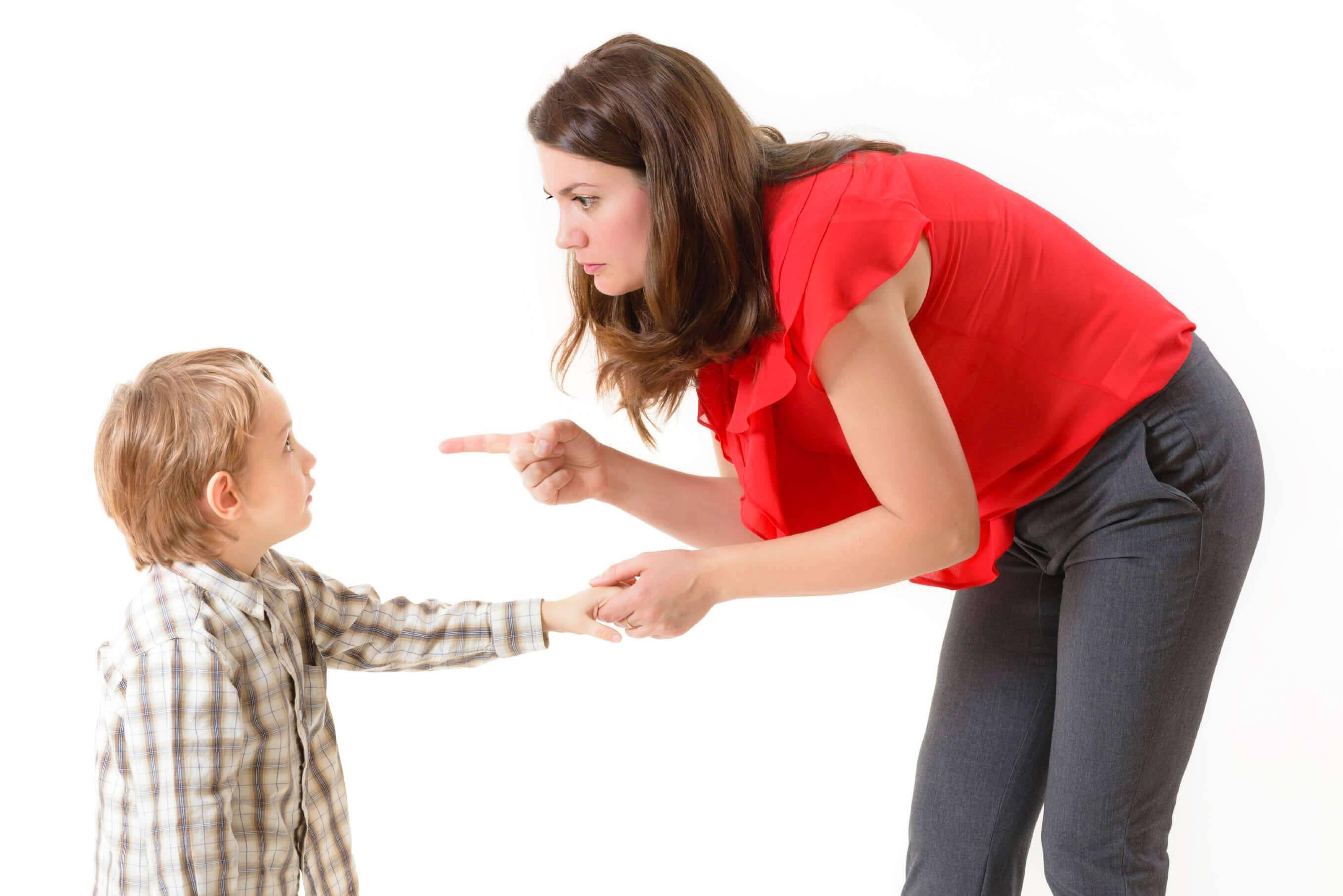 Ребёнок 6 лет, неуправляемый, плохо ведёт себя, не слушается – помощь специалиста | отношений.нет
