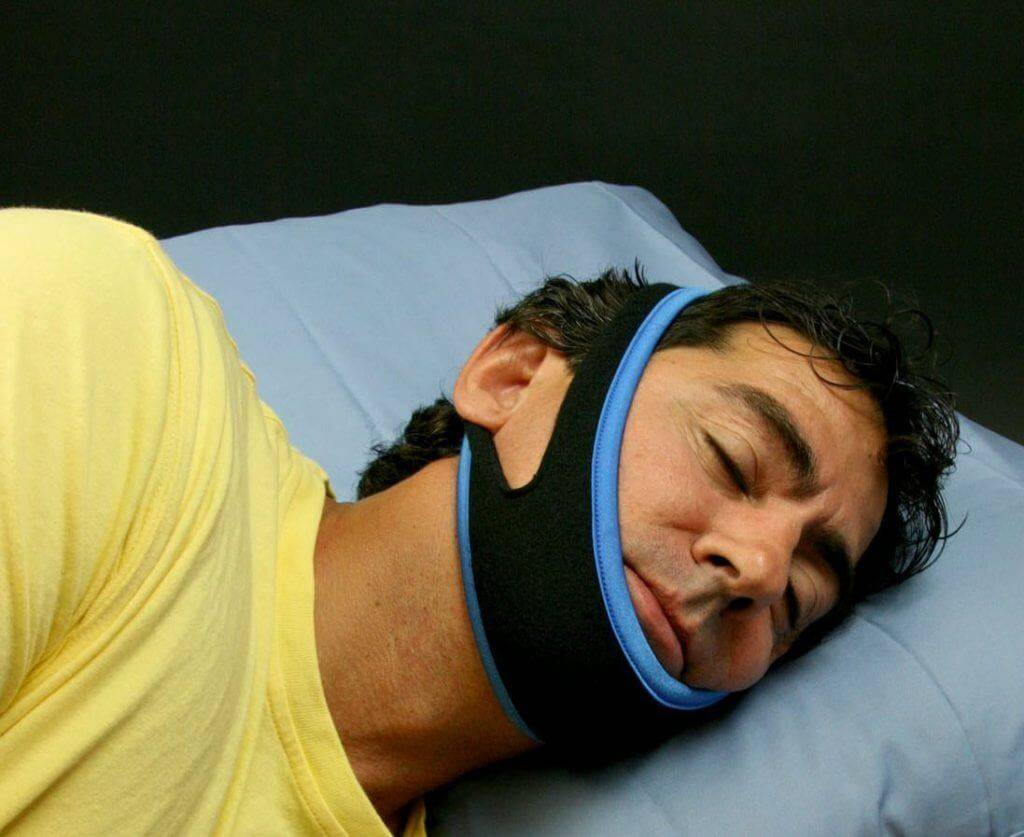 Грудничок задерживает дыхание во сне: симптомы, причины и профилактика
