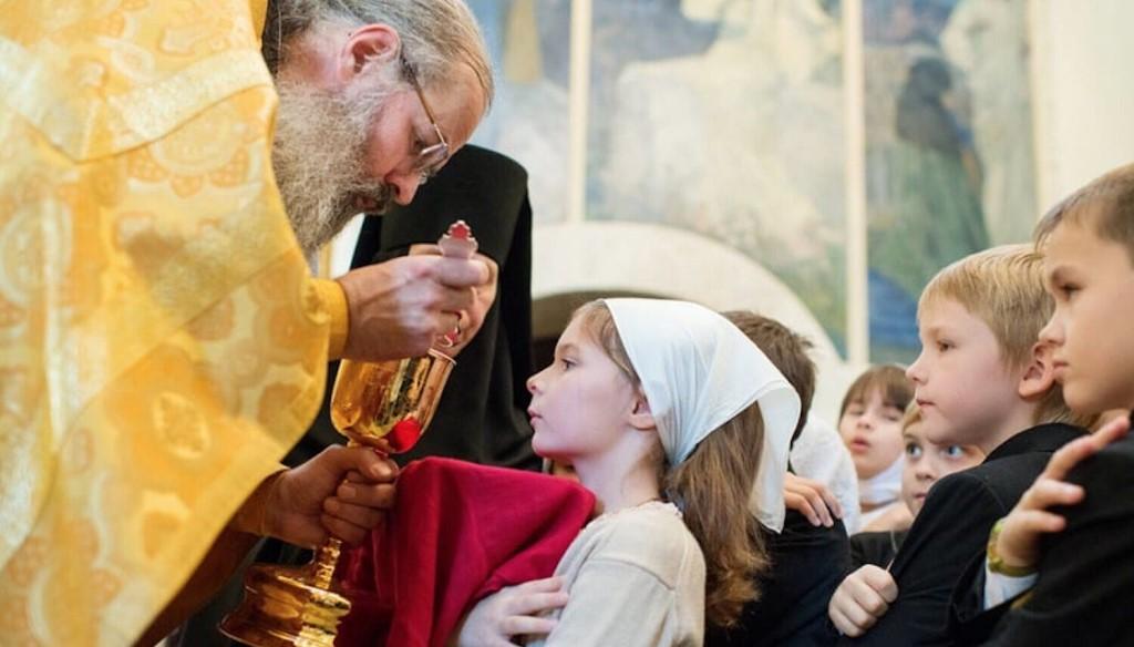 Можно ли ходить в церковь во время месячных - святые таинства запрещены церковью