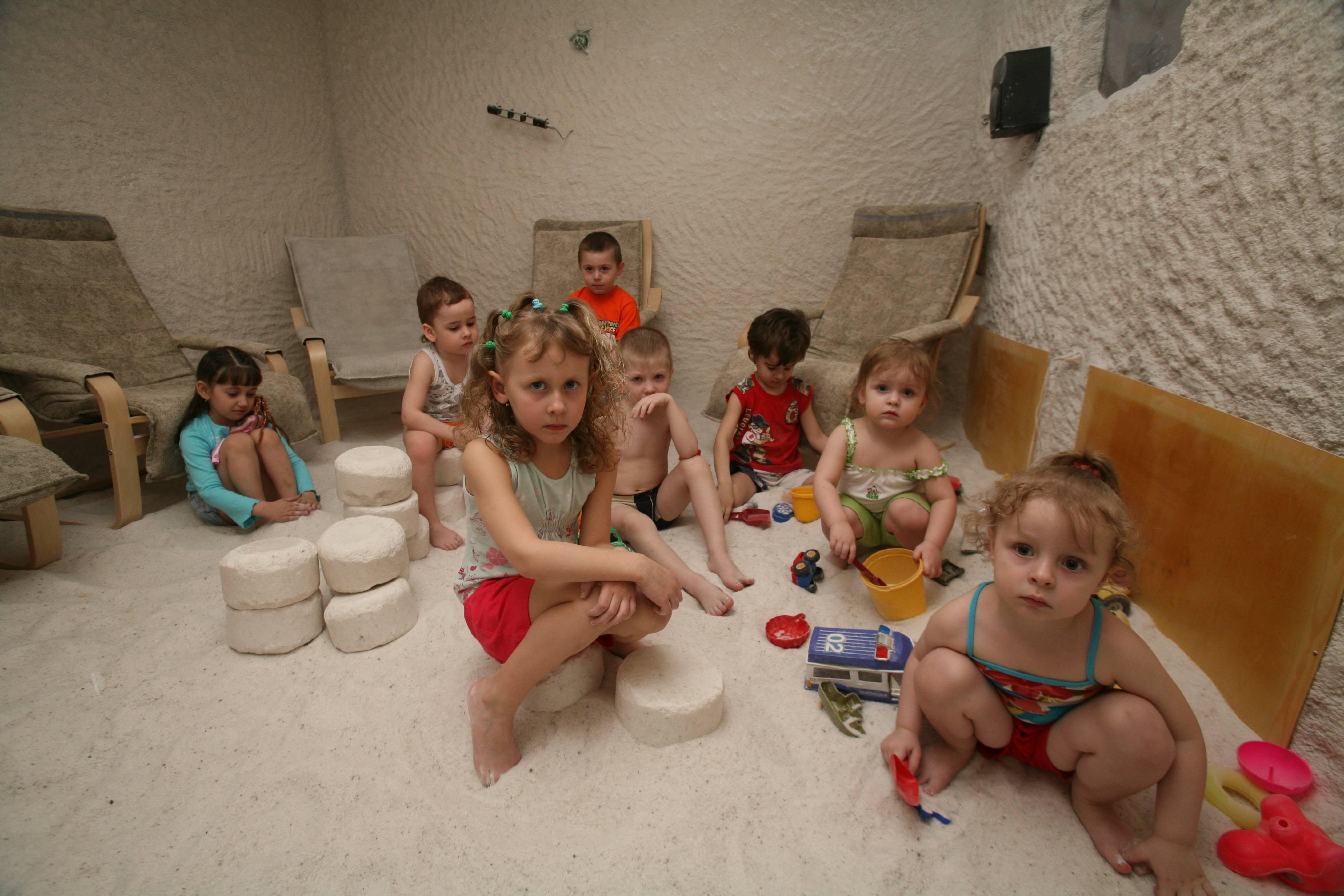 Польза и вред для детей от посещения солевой пещеры