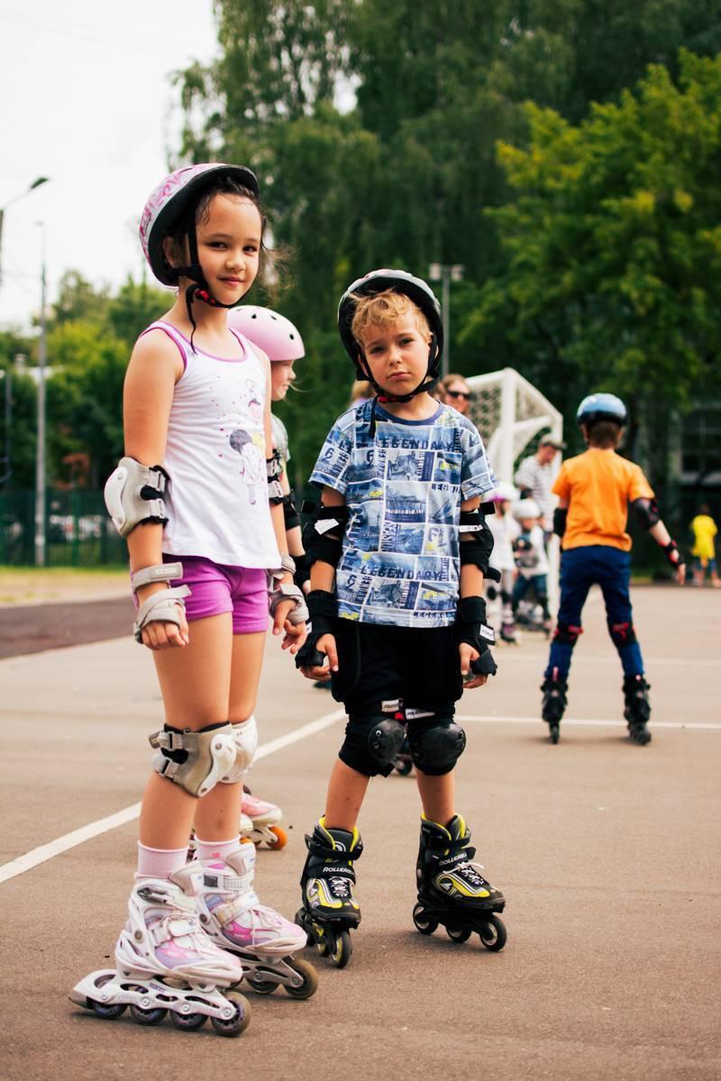 Как научить ребенка кататься на роликах в 4-5 лет: занятия, видео | konstruktor-diety.ru
