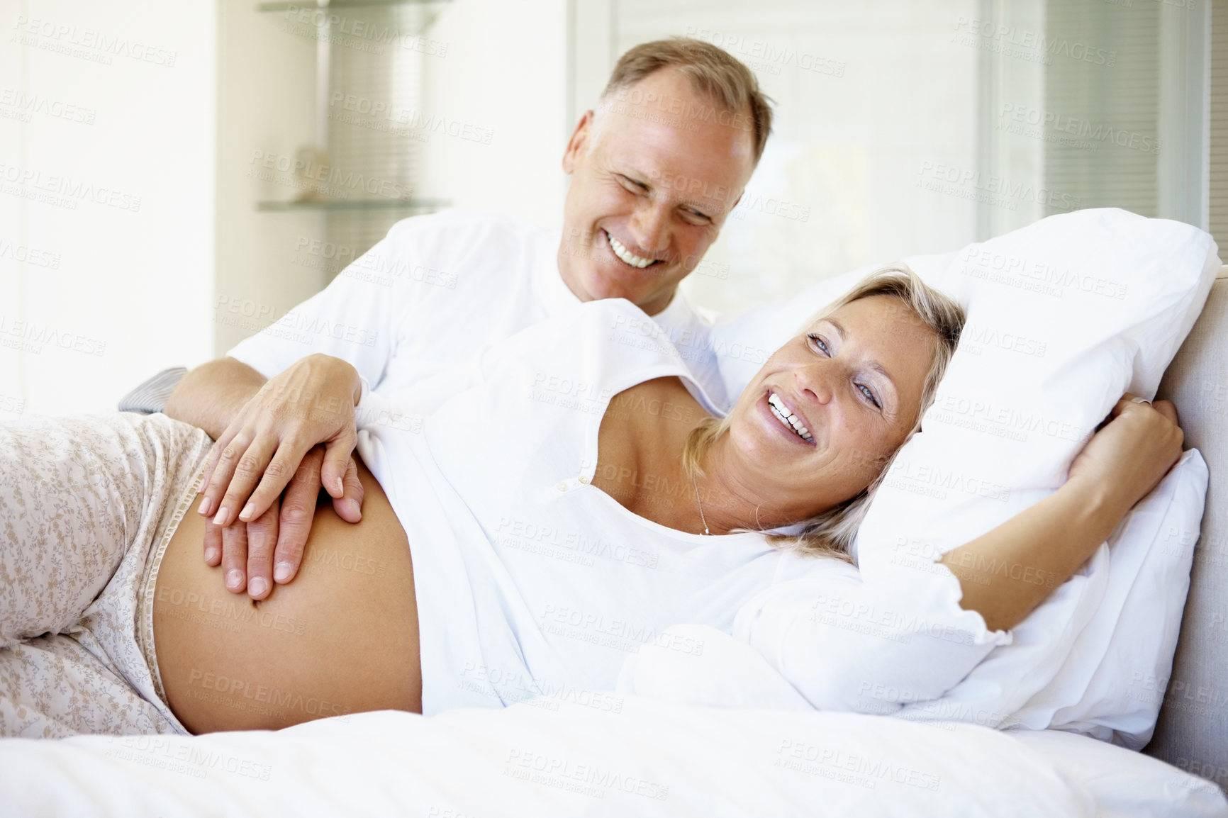 ЭКО после 40 лет: какова гарантия родить здорового ребенка, есть ли риски?