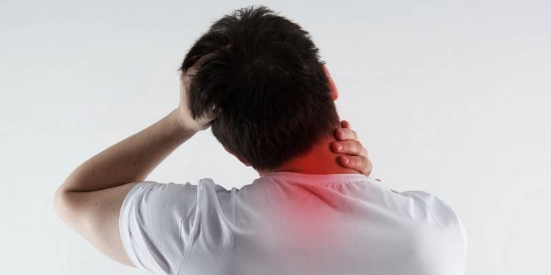 У ребенка болит шея, не может поворачивать голову, что делать