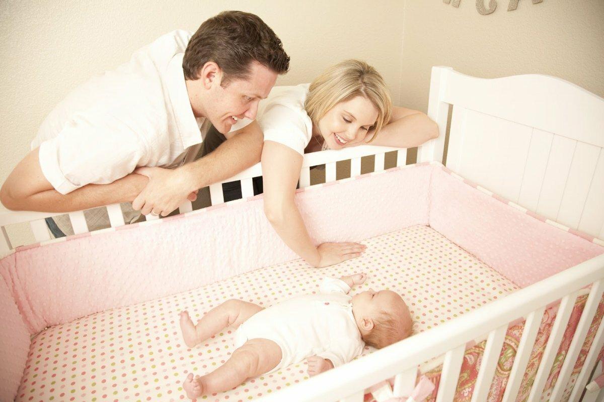 Как отучить ребенка от укачивания на руках и уложить засыпать самостоятельно? | семейные правила и ценности | vpolozhenii.com