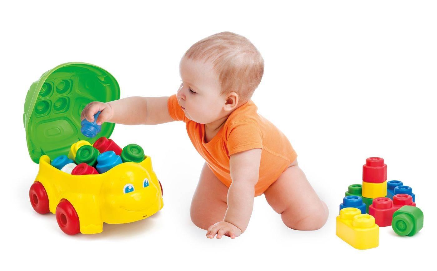 Чем занять ребенка в 1-1,5 года: дома, на улице, чем заняться с годовалым ребенком маме.