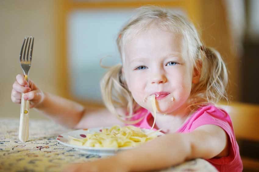 Когда ребенку можно давать макароны: оптимальные сроки и вкусные рецепты для детей разного возраста. с какого возраста давать детям макароны и можно ли это делать