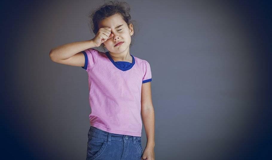Ребенок стал часто моргать: причины и лечение