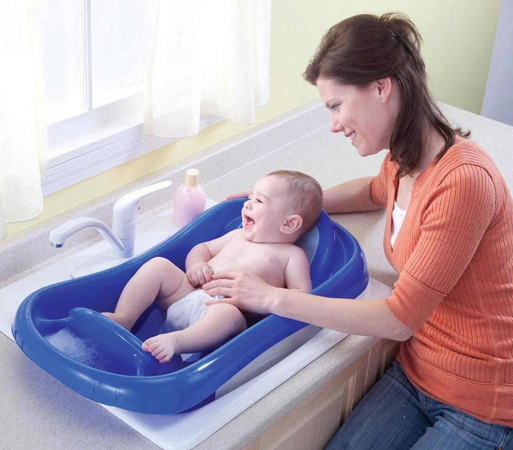 Как купать новорожденного ребенка первый раз дома, видео