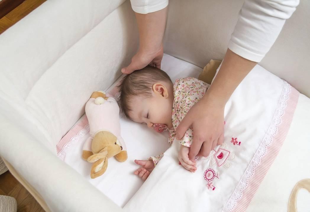 Новорожденный плачет вечером перед сном — почему вечером истерика