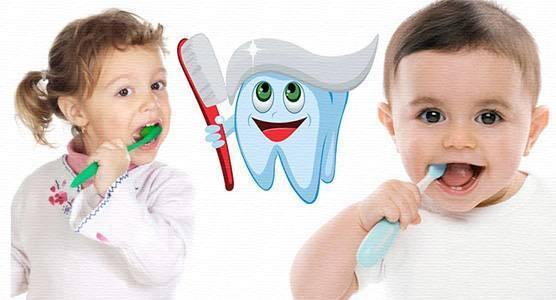 С какого возраста чистить зубы ребенку и как правильно
