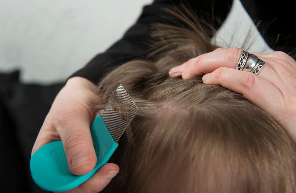 Средства от педикулеза для детей (40 фото): лечение в домашних условиях и профилактика, препараты и шампуни от вшей
