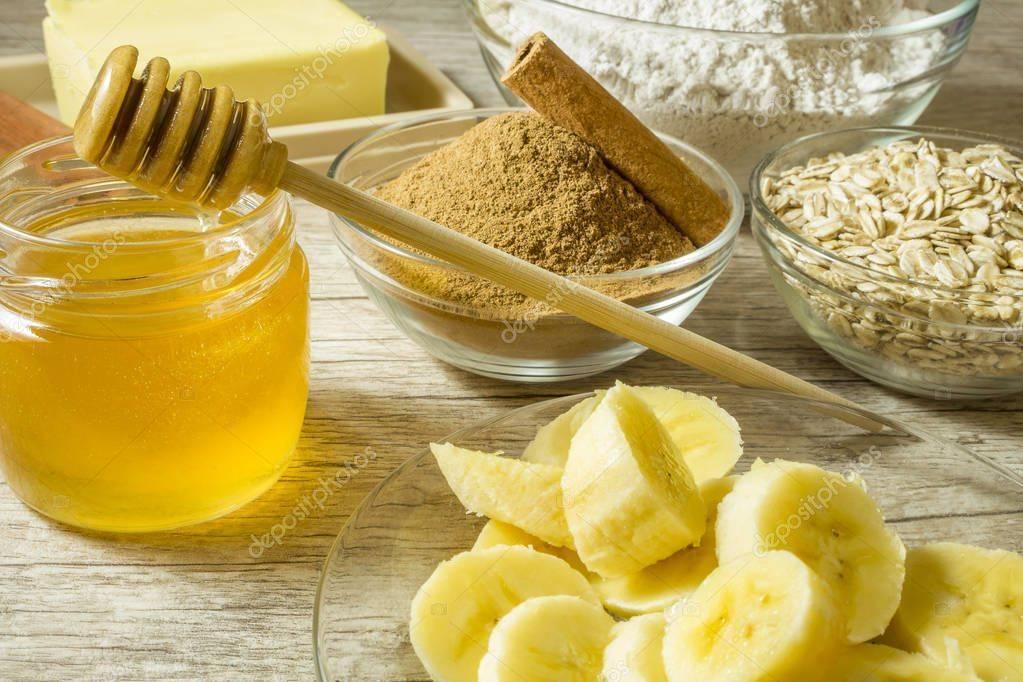 Банан, какао и молоко с медом: простые и эффективные средства от кашля