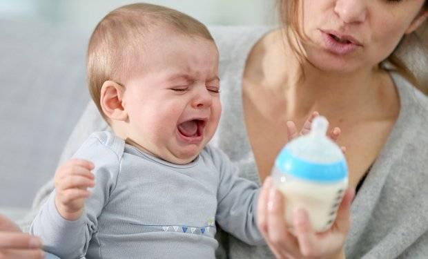 После кормления ребёнок извивается и плачет: эффективная диагностика поведения и способы решения проблемы