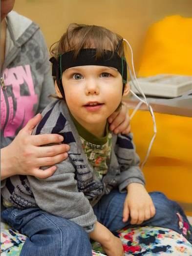 Хорошо бы малышу «поджечь голову»: правда и мифы о микрополяризации | милосердие.ru