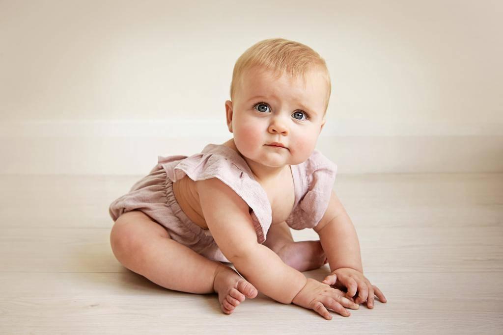 Ребенок не сидит в 9 месяцев