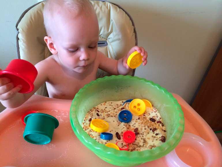 Какие игрушки нужны ребёнку в 11 месяцев