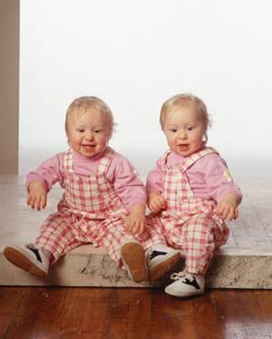 Воспитание двойняшек: 5 основных правил
