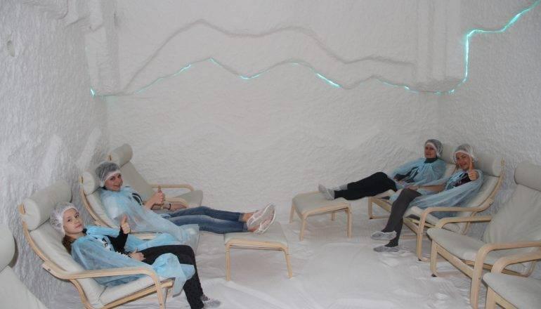 Соляная пещера (комната): польза и вред, показания, противопоказания, отзывы | zaslonovgrad.ru