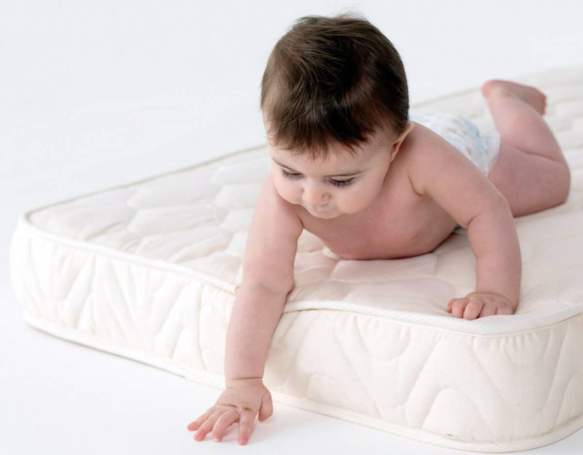Какой матрас выбрать для новорожденного | уроки для мам