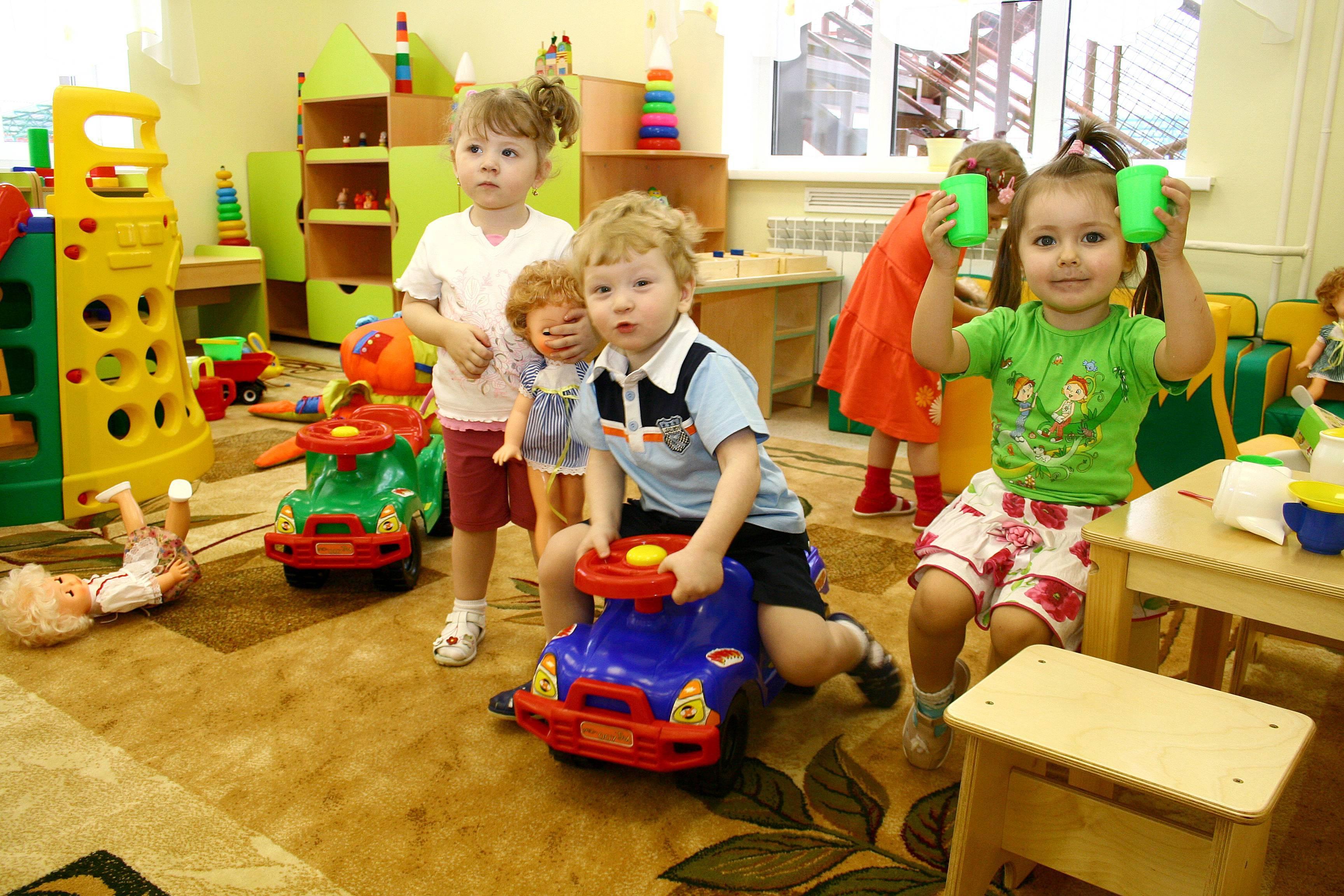 Когда лучше отдавать ребёнка в детский сад   уроки для мам