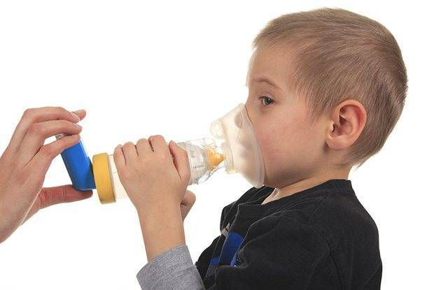 Как снять приступ кашля у ребенка? успокаиваем ночной и дневной сухой кашель