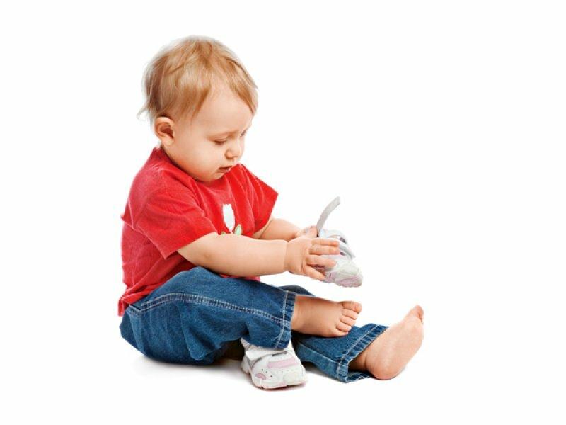 Как научить ребенка одеваться в 2 года? - мама и ребенокмама и ребенок