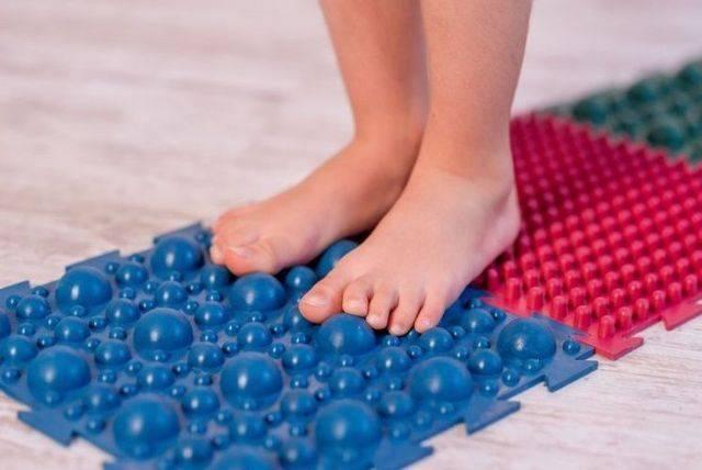 Как выбрать ортопедический коврик - показания и советы по выбору
