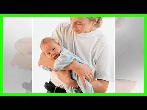 Как держать новорожденного столбиком после кормления: сколько держать, обязательно ли