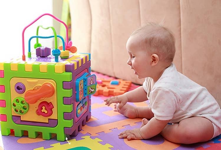 Какие развивающие игрушки полезны для детей 2 лет