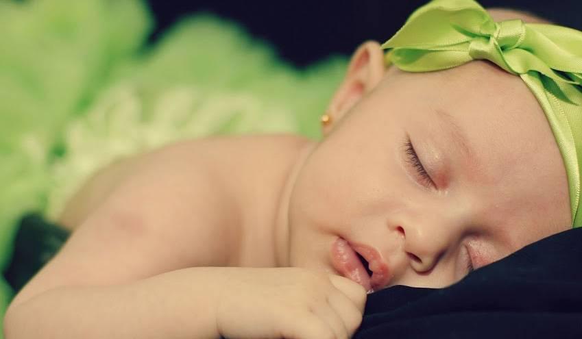 Почему грудничок плохо спит днем: 11 главных причин и способы решения проблемы