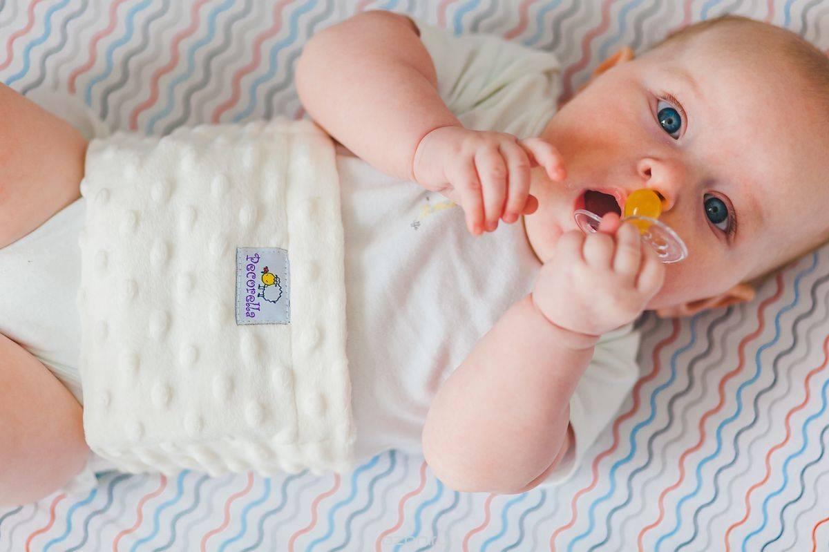 Грелка с вишневыми косточками для новорожденного - помощь доктора