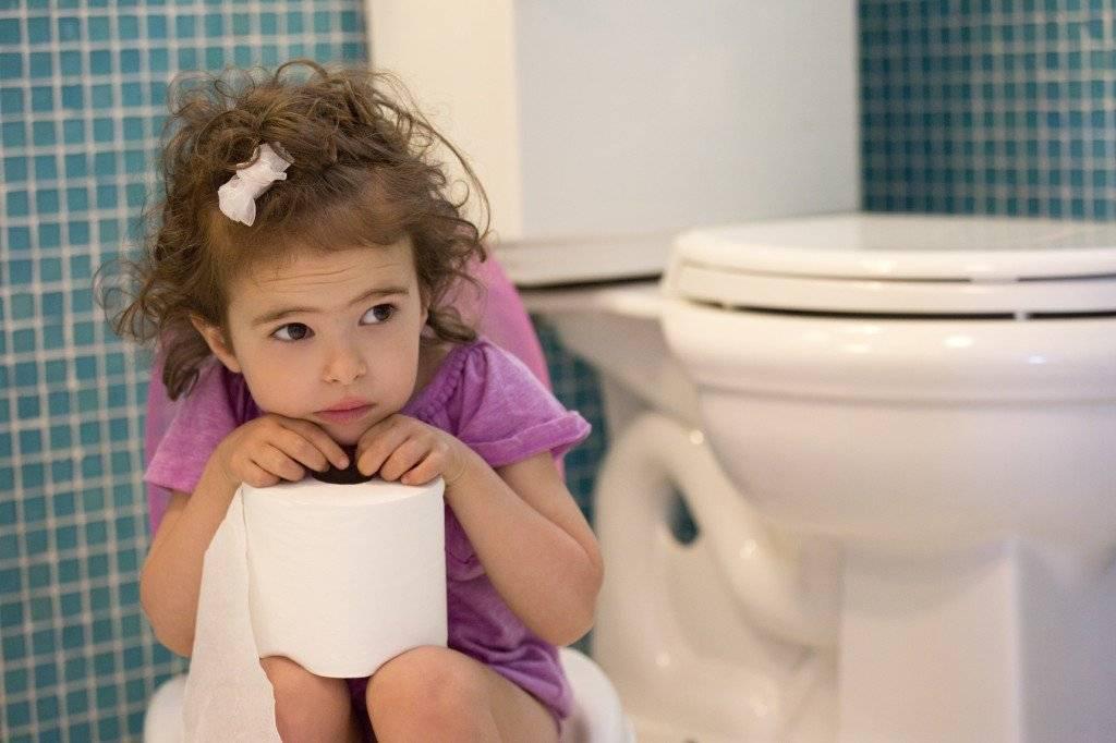 Как помочь ребенку при запоре в домашних условиях: советы педиатра