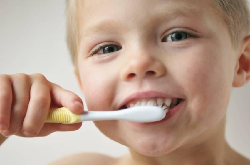 Кариес у детей: фото молочных зубов, лечение и профилактика болезни в раннем возрасте