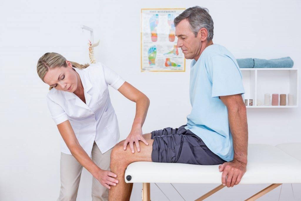 Болит колено - к какому врачу обращаться за лечением