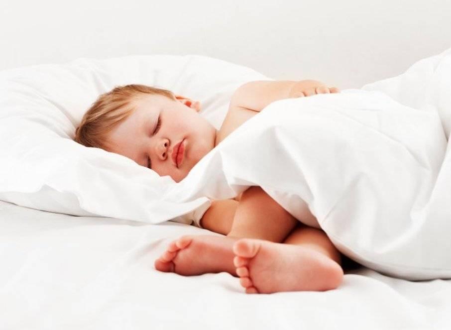 Ребенок скрипит зубами во сне — виноваты ли глисты и, что делать? | здорова и красива