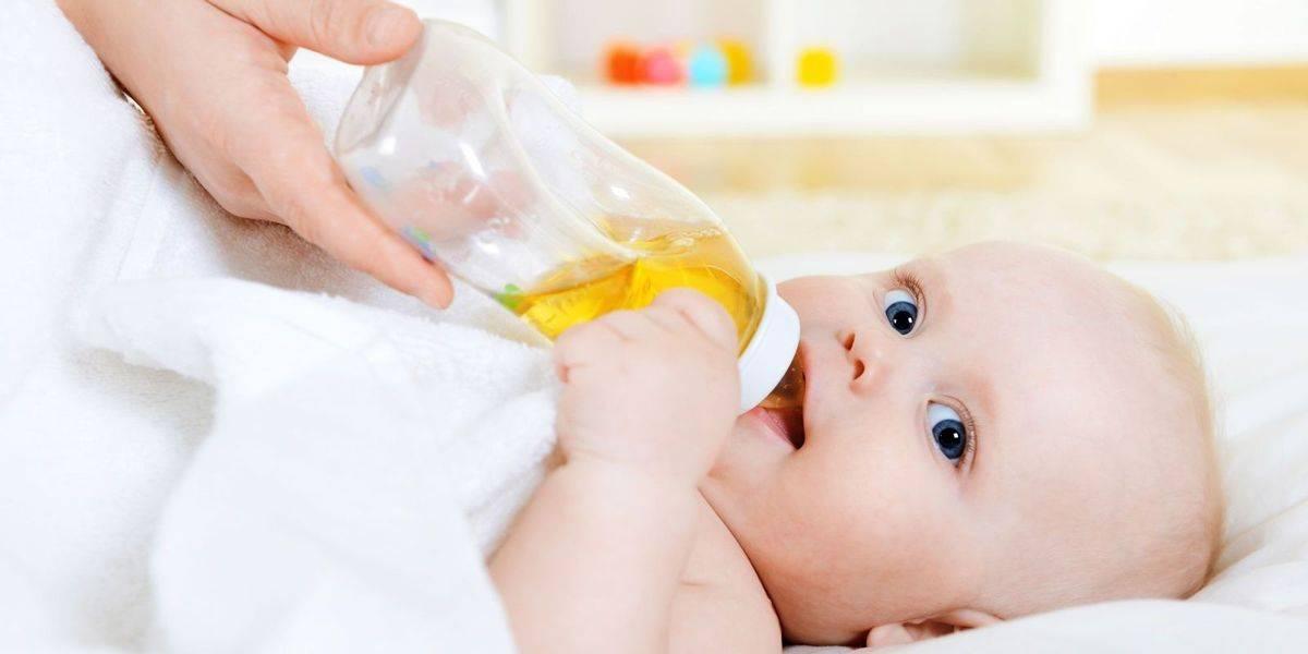 Младенец икает после кормления что делать и как остановить