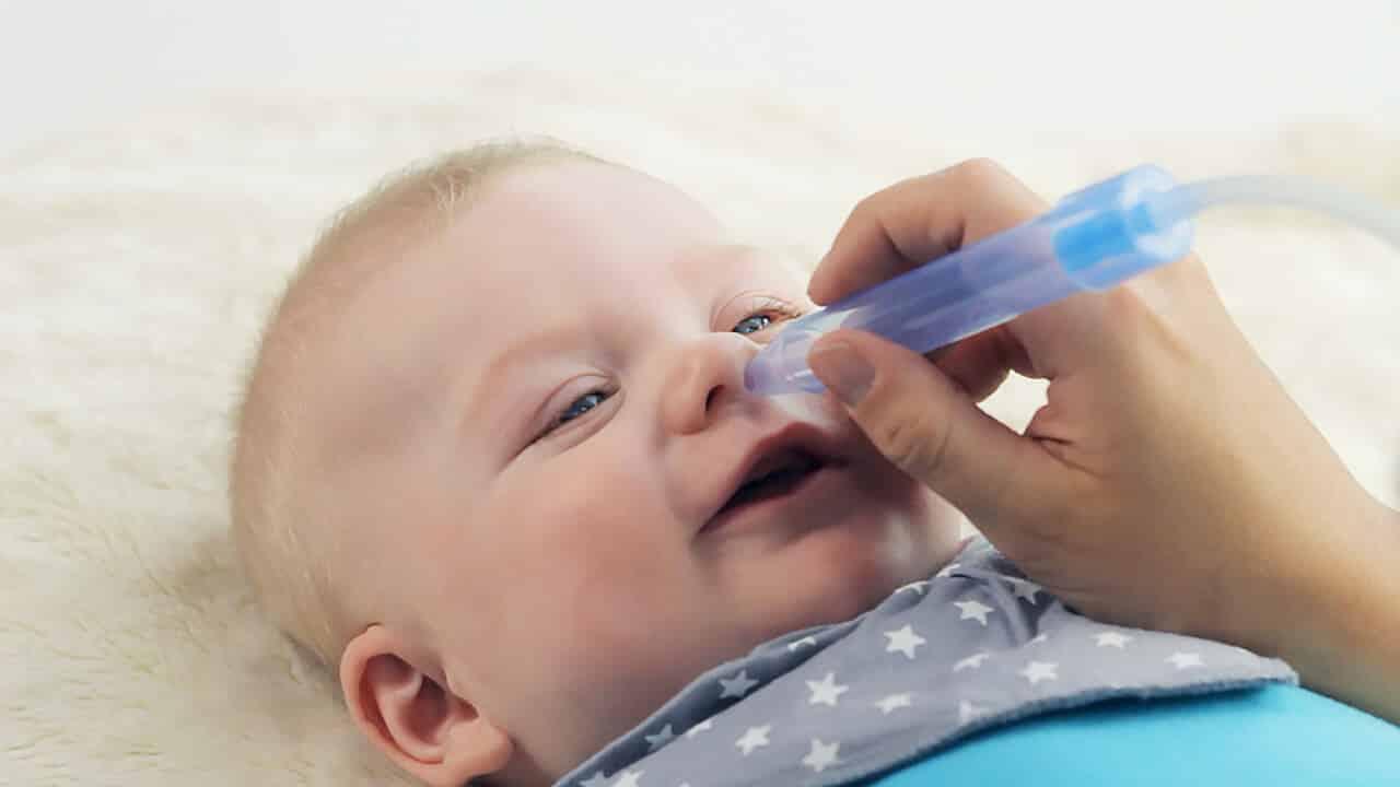 Причины проявления насморка при прорезывании зубов у детей, и что нужно предпринять их родителям