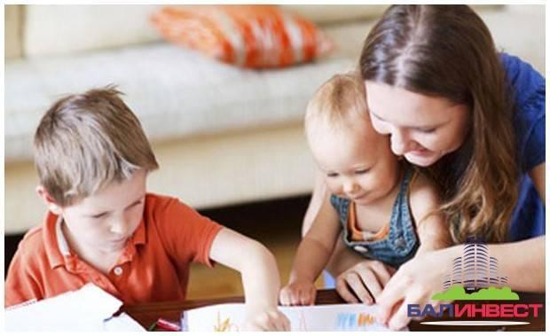 Как научить ребенка различать цвета? методики и полезные советы