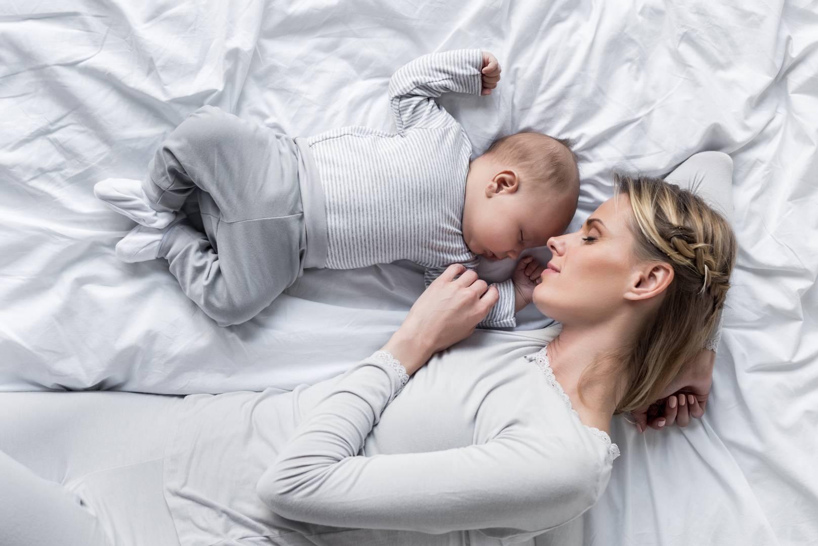 Совместный сон с грудничком: за и против с научным подходом