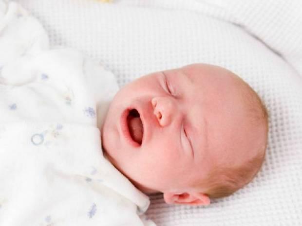Судороги у новорожденного ребенка: причины и последствия для грудничков, что делать