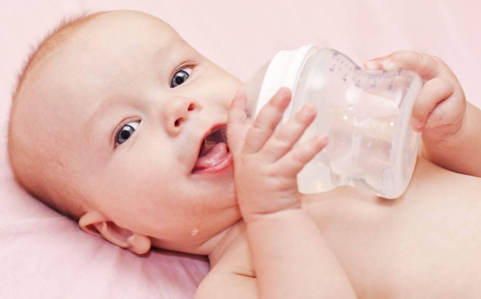 Советы, когда и как давать воду новорожденному при искусственном вскармливании