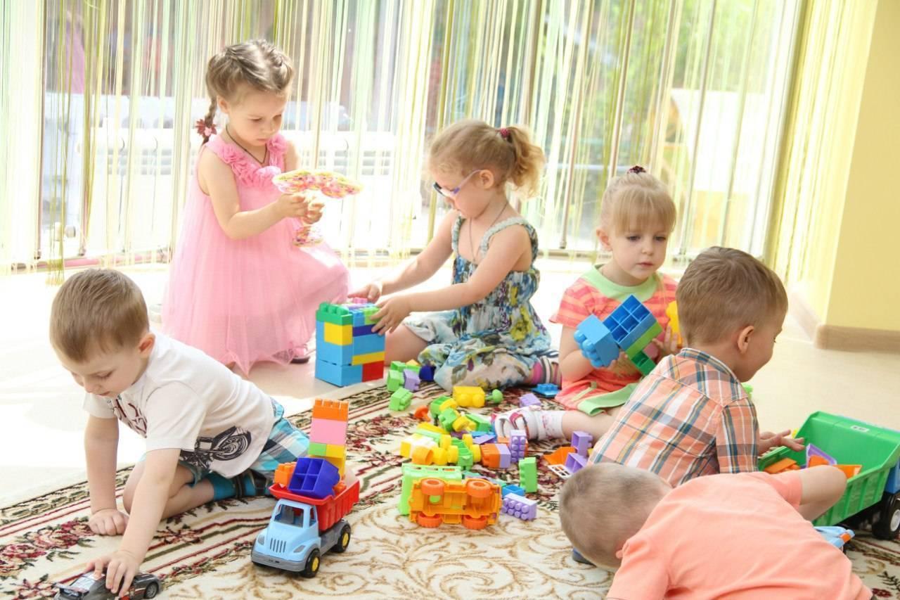 Когда лучше отдавать ребёнка в детский сад?