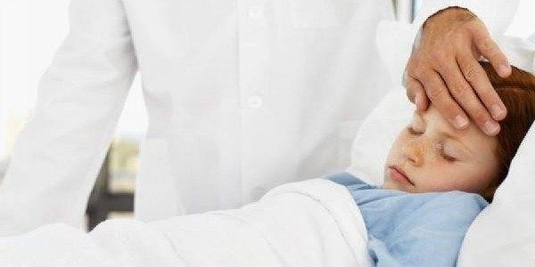 Когда можно купать грудничка: что делать если есть кашель, насморк, температура