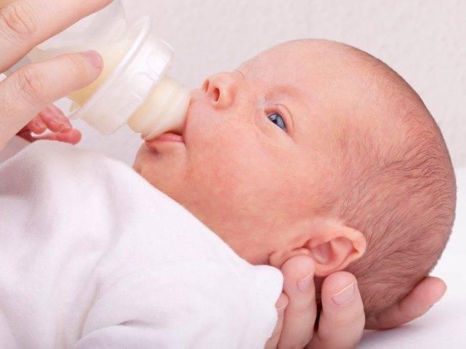 Рвота у грудничка после кормления – почему рвет малышей и что делать?