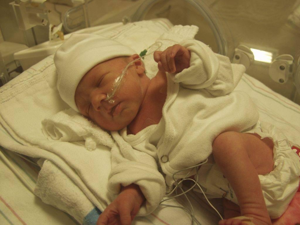 Что такое порок сердца у новорожденных: от чего и какие бывают, фото симптомов и причины, лечение, операция и последствия для ребенка