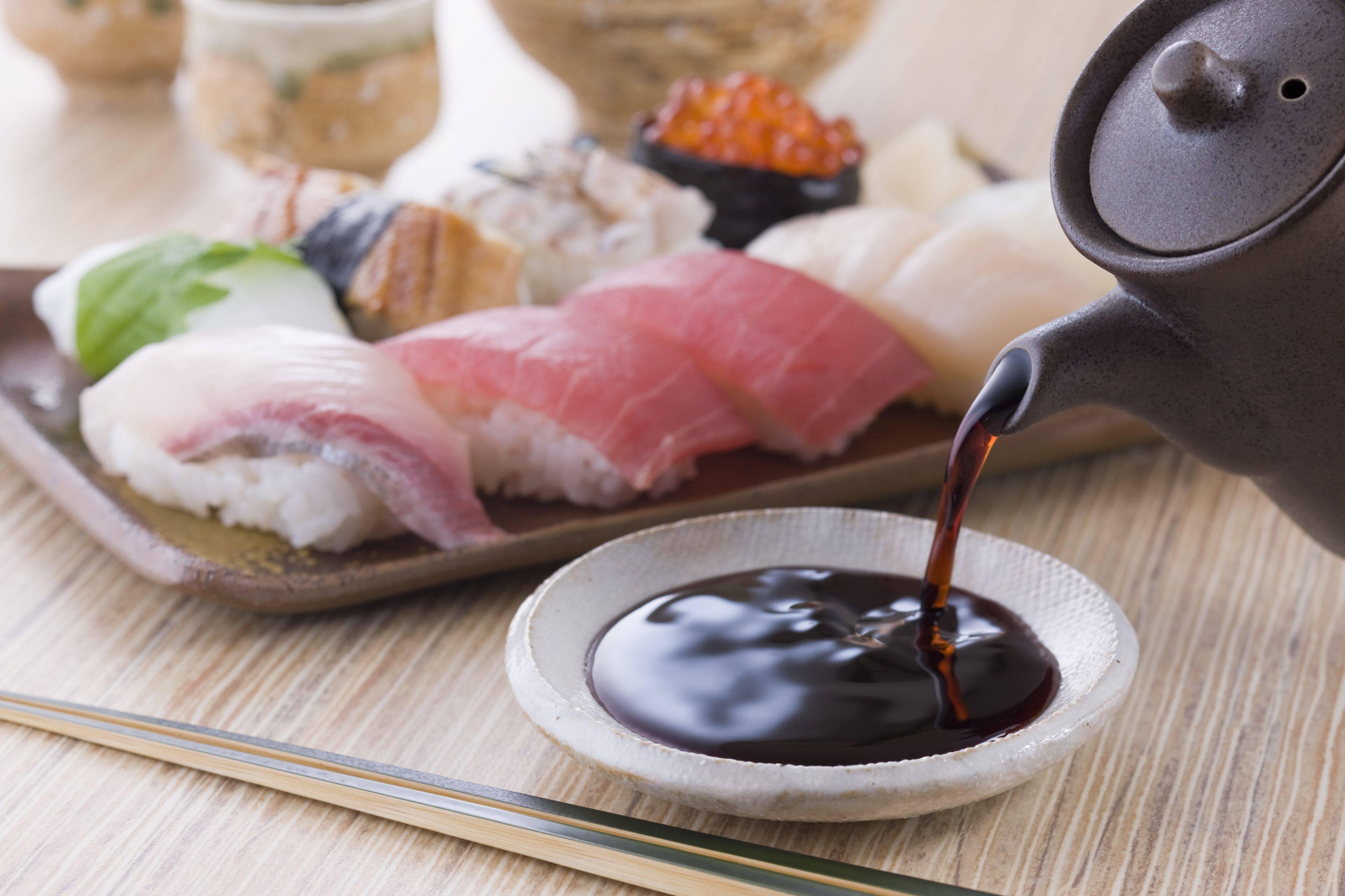 Можно ли суши при грудном вскармливании: плюсы и минусы японских блюд