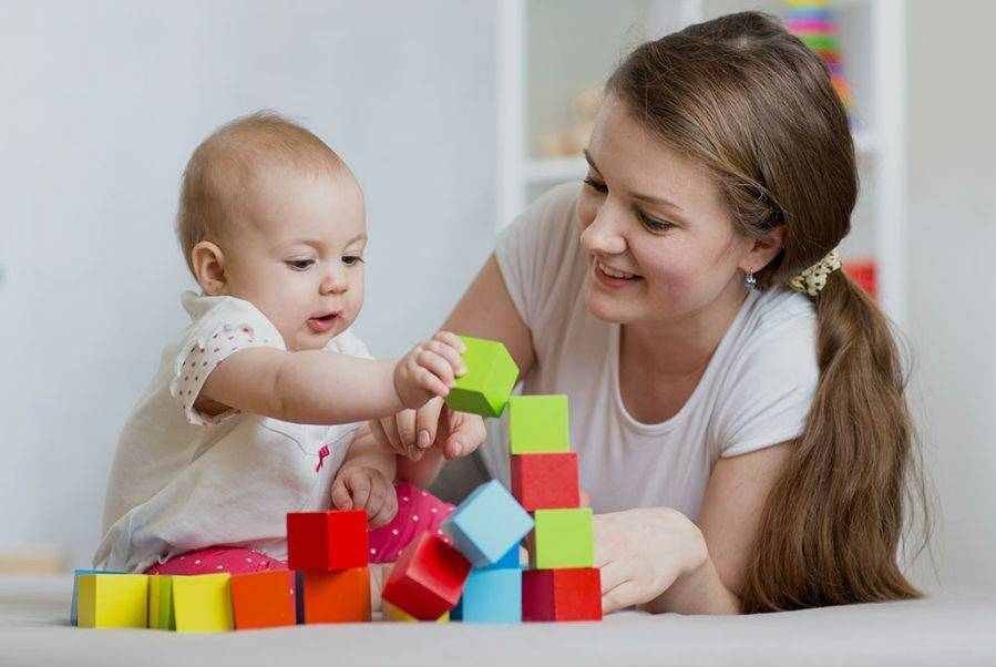 Игры с ребенком в 7 месяцев: всестороннее развитие малыша