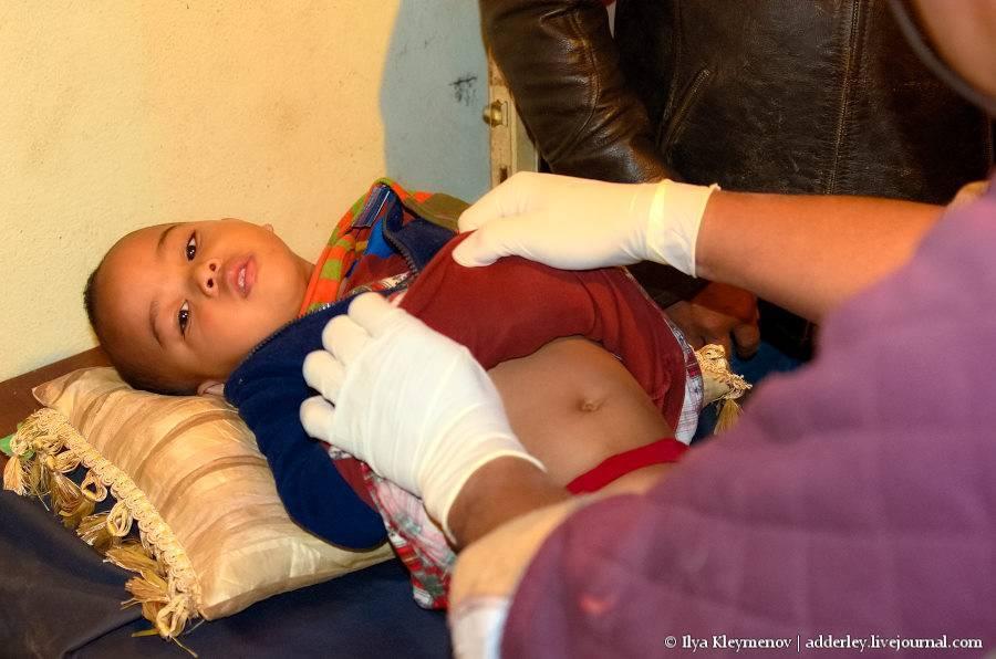 Обрезание у мальчиков: что это такое, для чего и когда его делают, как ухаживать после операции?