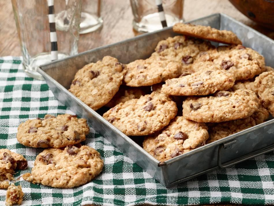 Овсяное печенье с творогом и смородиной